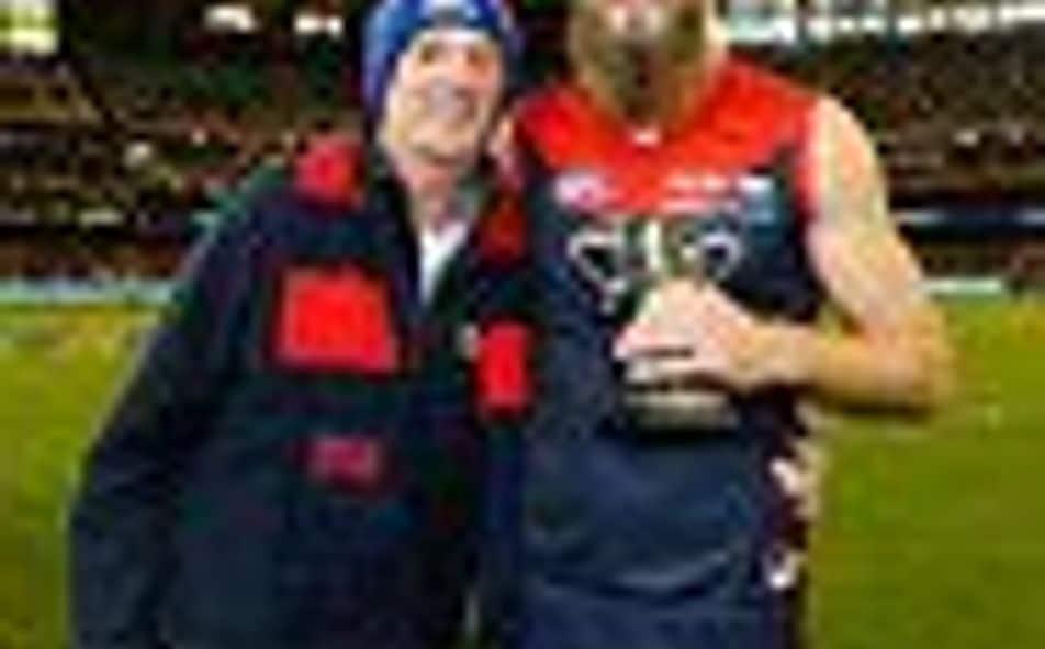 Melbourne Wins First Qb Clash Since 2007
